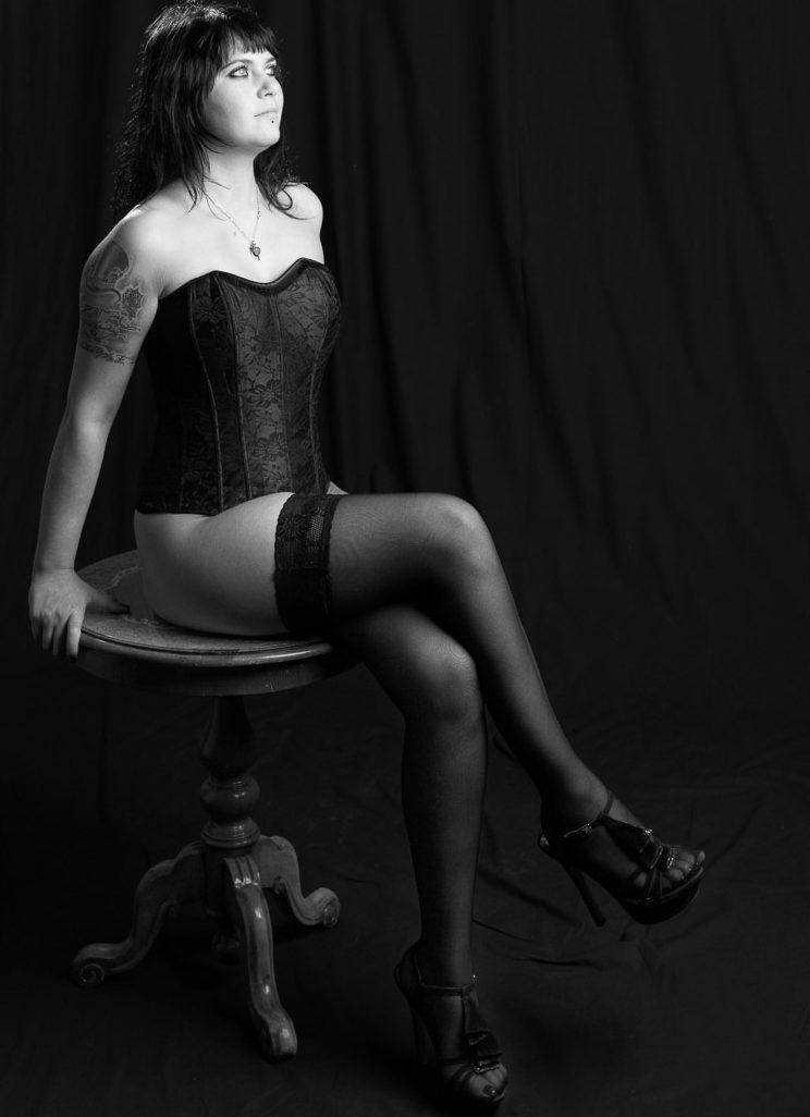 Arianne – Black