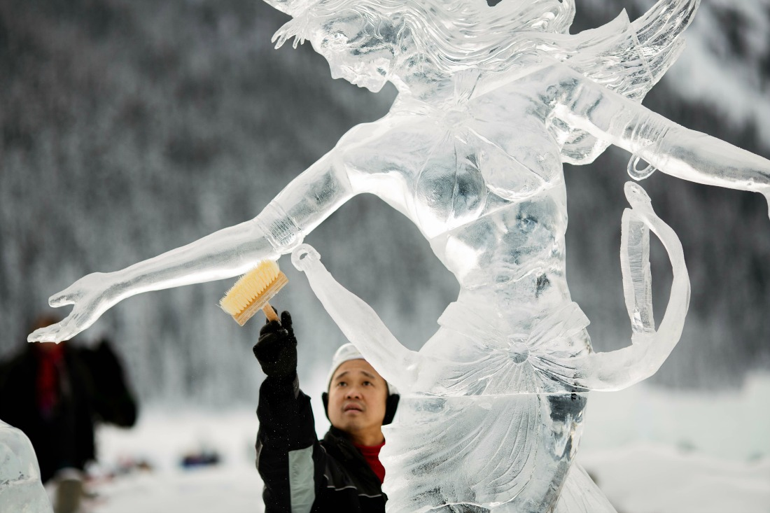lake louise ice sculptures