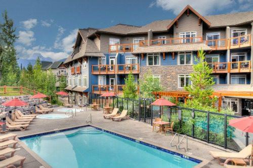 Outdoor hotel pool