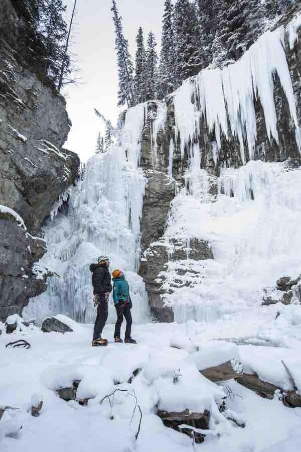 Johnston_Canyon_Winter_Ice_Walk
