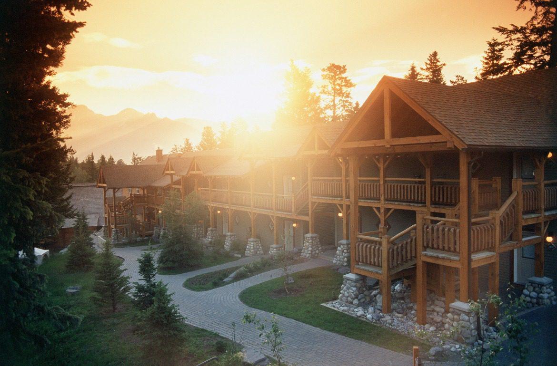 Buffalo Mountain Lodge sunrise