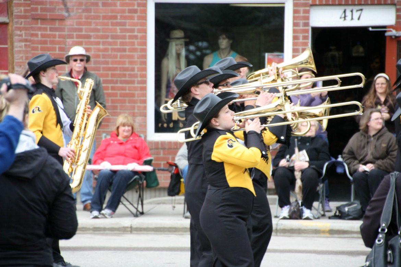 black and yellow band uniform
