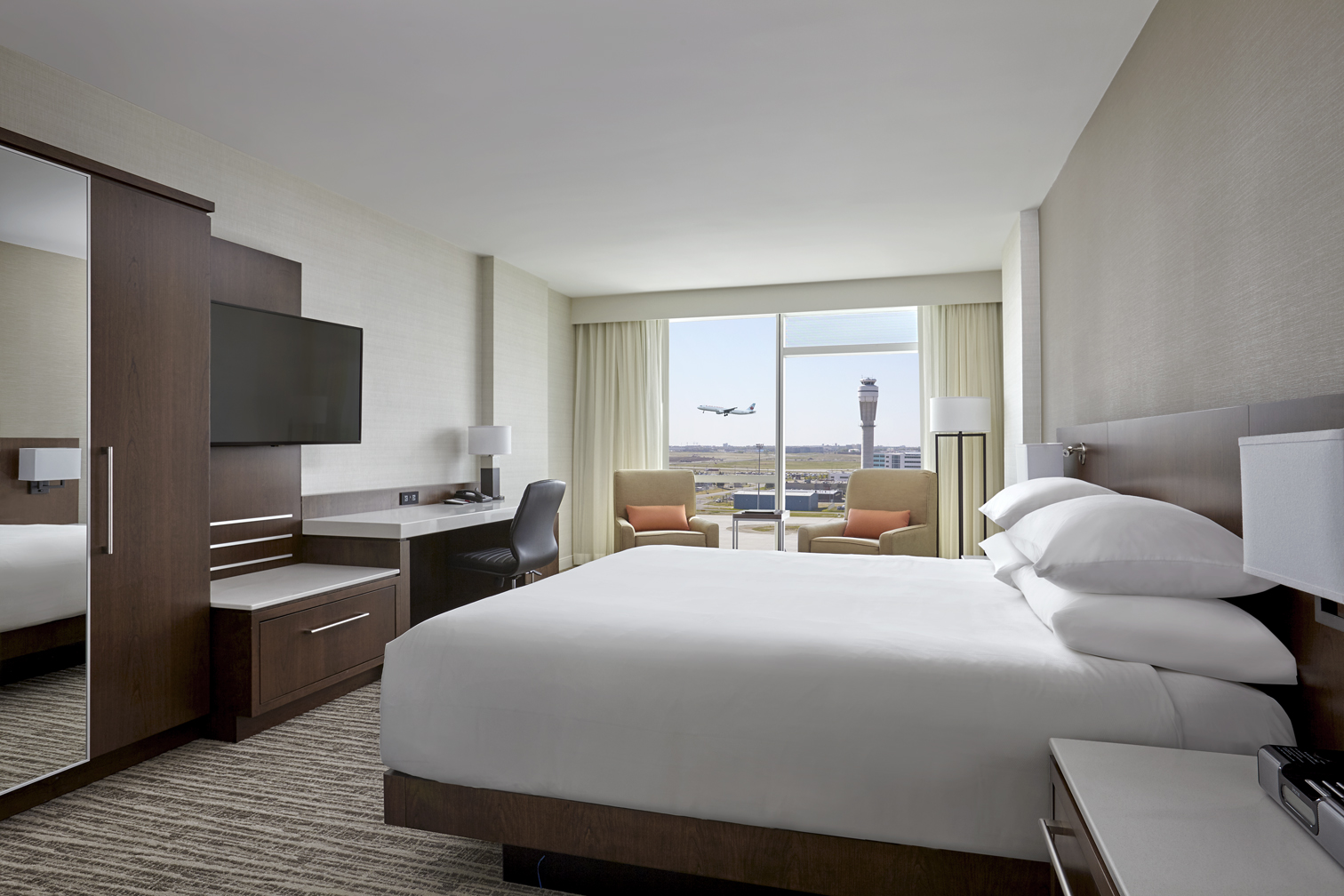 Why you should stay at the Calgary Airport Marriott Hotel