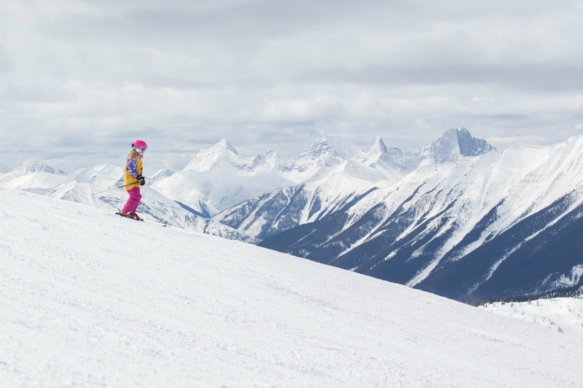 Where to get the best ski lessons in Banff? Check out my review of Sunshine