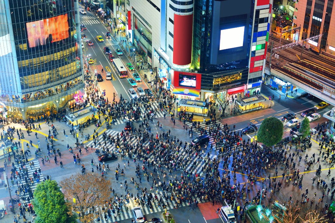 Shinjuku tokyo street crossing