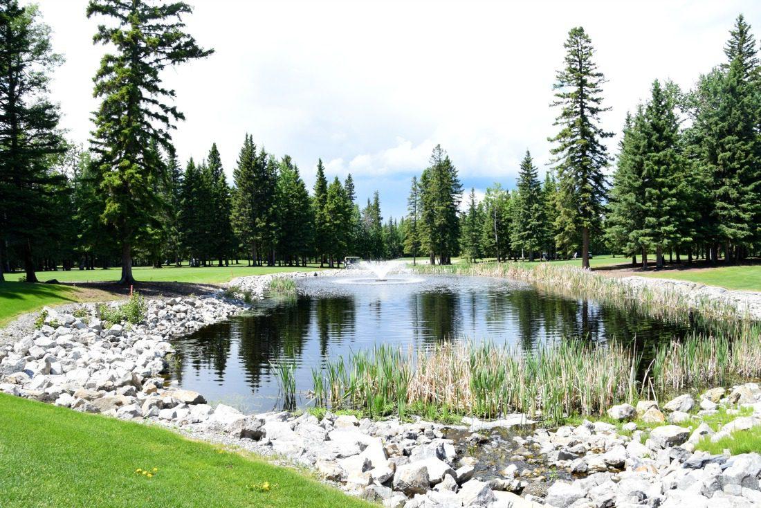 sundre golf course