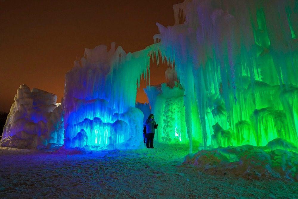 ice_castles_Edmonton