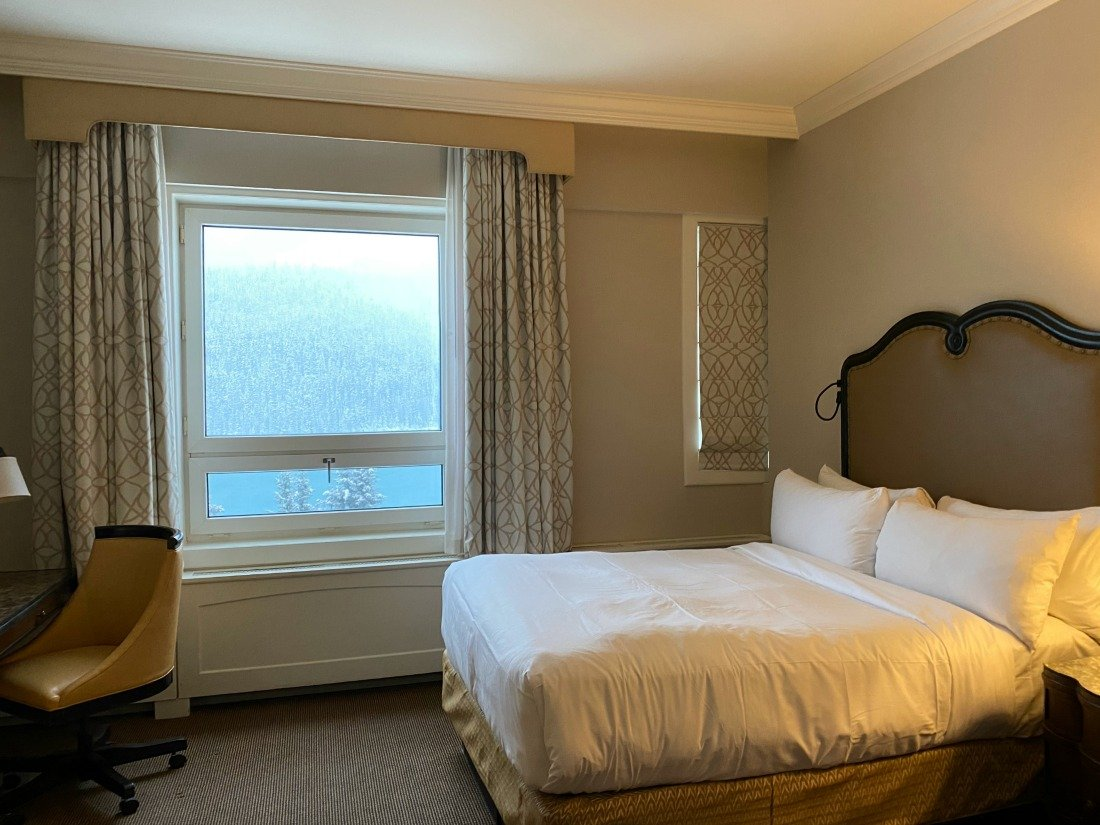 guest room fairmont chateau lake louise