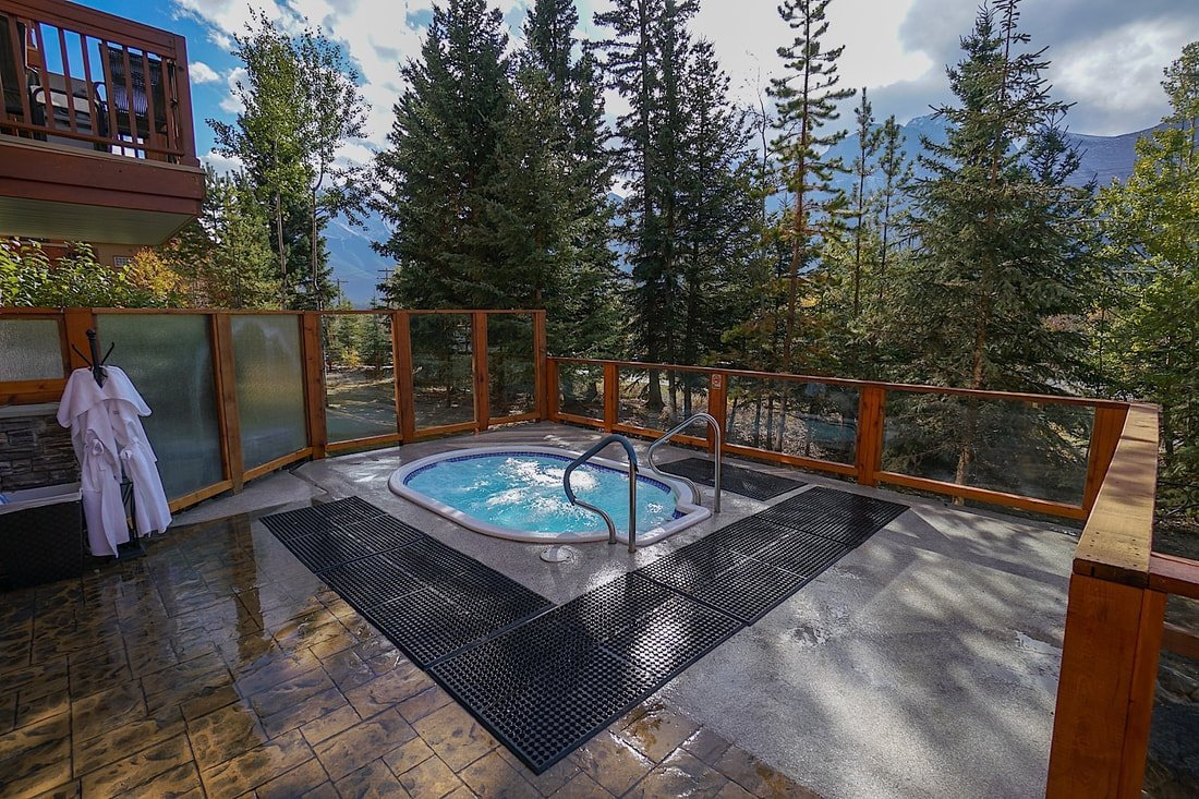 banff hotels with hot tubs