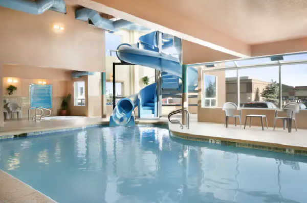 calgary airport hotels with waterslide