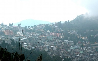 Panorama uitzicht over de stad Darjeeling, West-Bengalen, India, 2009