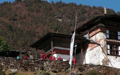 Bhutan, tijdens de trekking tussen Paro en Thimpu, Phajodingklooster in de buurt van Thimpu