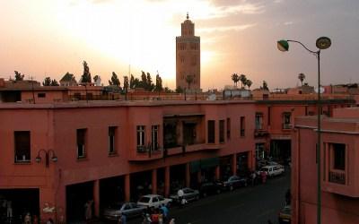Uitzicht vanaf het dak van het hotel op de Koutoubia-Moskee, Marrakech, Marrokko, 2006