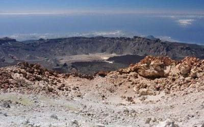 Tenerife, uitzicht vanaf de top van de El Teide (3718 mtr)