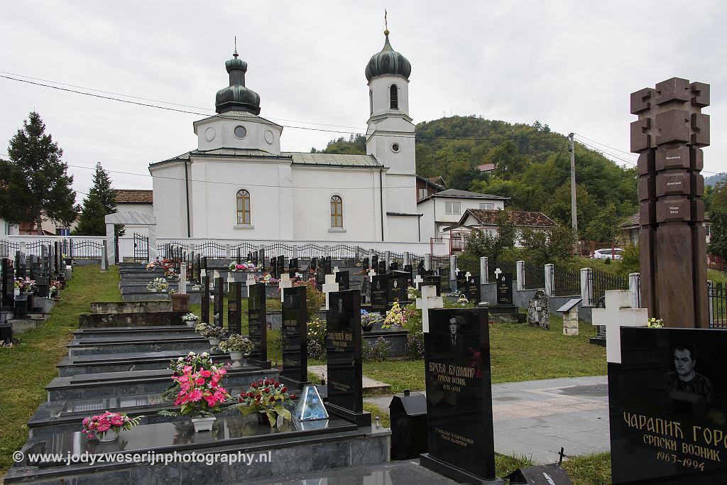 Kerkje en begraafplaats, Visegrad, Bosnië Herzegovina, 19-9-2019