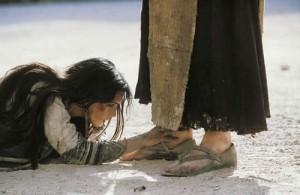 06-woman-jesus-feeet