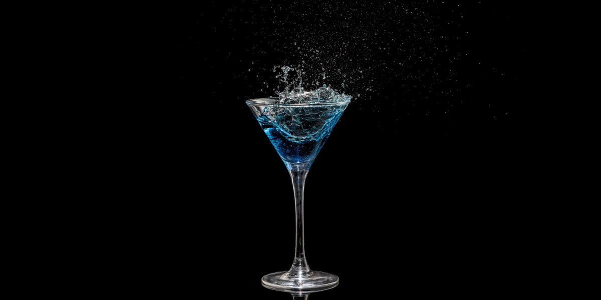 Splash in cocktail glass