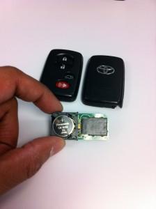 Toyota Highlander key fob innards (battery)