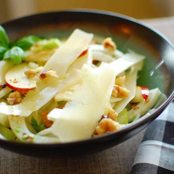 Fennel, celery and apple salad with lemon, olive oil vinaigrette. | joeshealthymeals.com