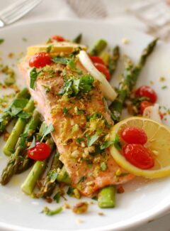 one pan salmon meal. | joeshealthymeals.com