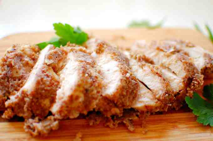 baked pecan crusted chicken | joeshealthymeals.com