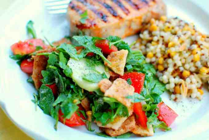 toasted pita bread salad | www.joeshealthymeals.com