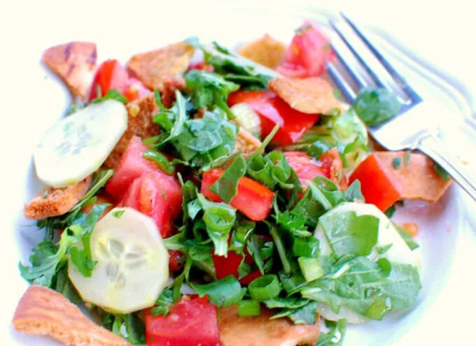 toasted pita bread salad | www.joeshealthymeals.com