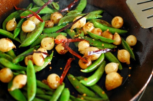 Snap peas and pearl onions. Easy, but flavorful side dish. | joeshealthymeals.com