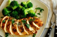 Grilled herb crusted chicken breast. Super moist and tasty. Try this recipe. | joeshealthymeals.com
