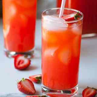 Fresh Homemade Strawberry Lemonade