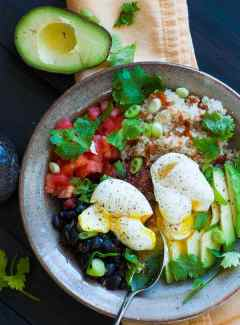 Tex Mex quinoa brown rice bowl. Simple but delicious main course meal. | joeshealthymeals.com
