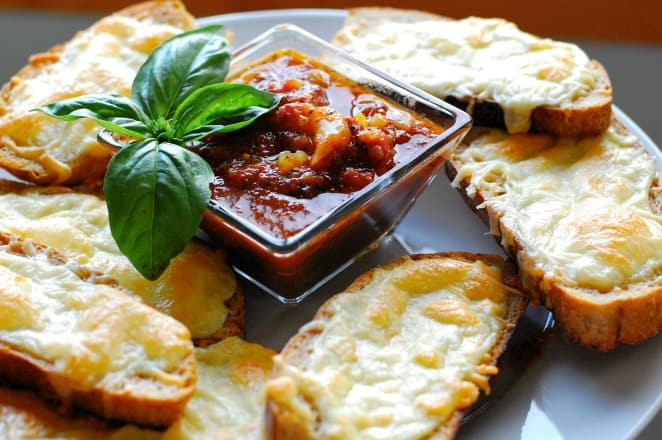 Cheesy Italian dunkers. Top 8 most popular appetizers.   joeshealthymeals.com