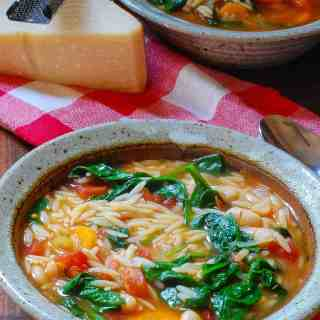 Tangy Vegetarian Minestrone Soup Recipe