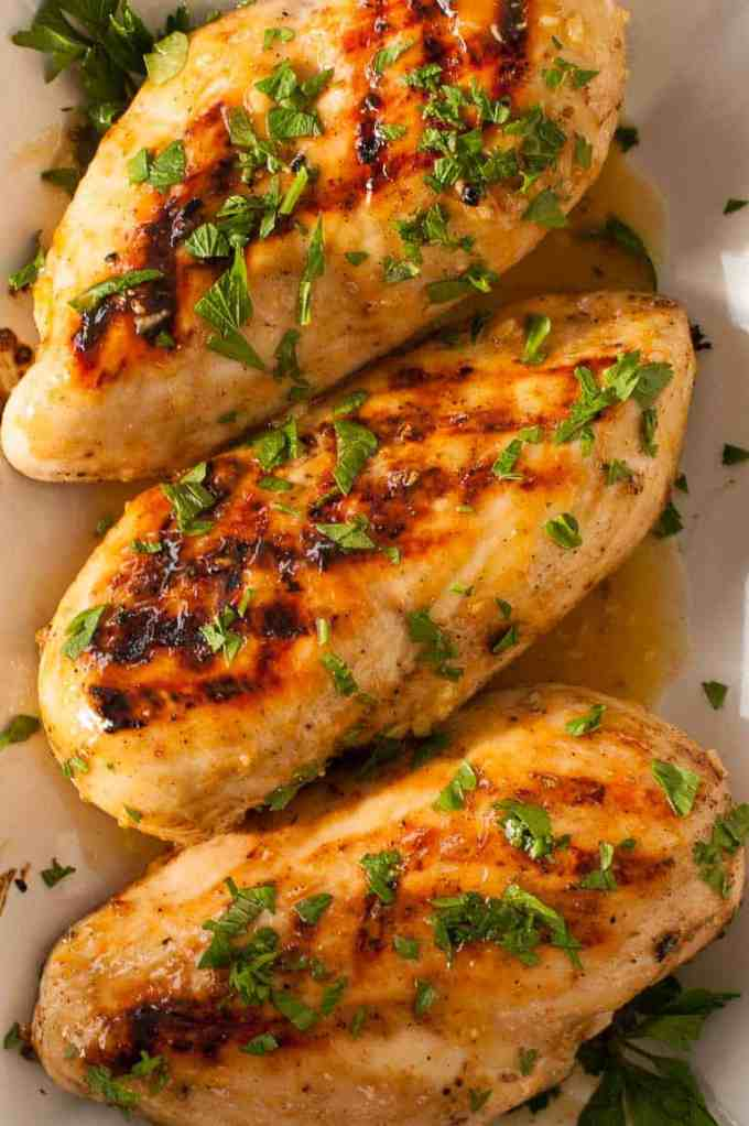 Honey mustard grilled chicken is flavorful and a great way to serve chicken. | joeshealthymeals.com