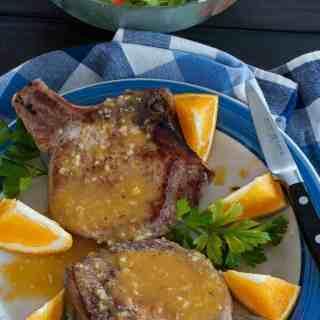 Orange glazed pork chops recipe. Super tasting easy orange sauce for your browned pork chops.   joeshealthymeals.com