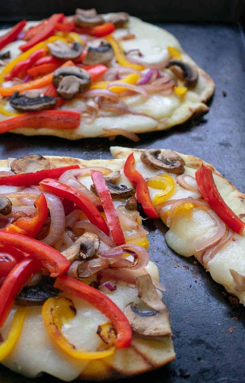 Grilled flatbread pizza recipe.   joeshealthymeals.com