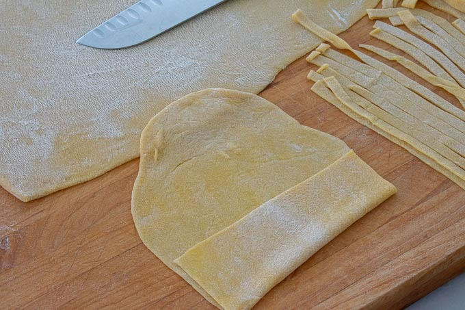 cutting fettuccine by hand