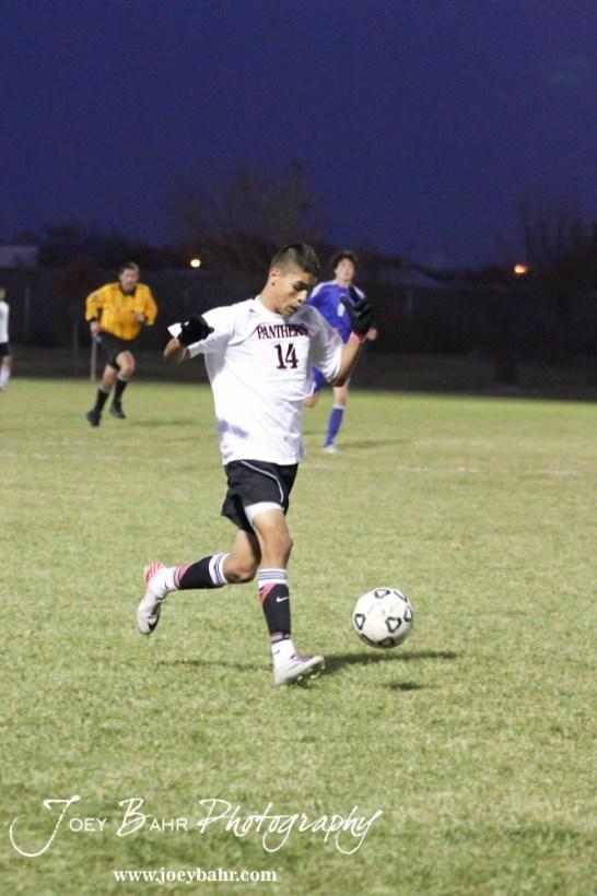 GB_vs_Andover_(Boys_Soccer)_10-25-11_1052