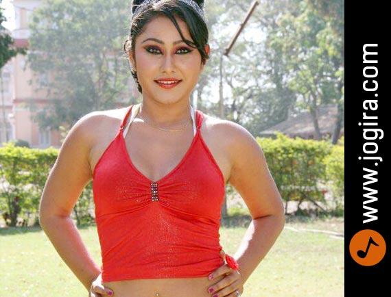 Hot Bhojpuri Actress Priyanka