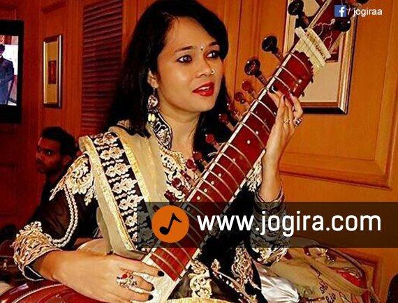 Singer Pushplta