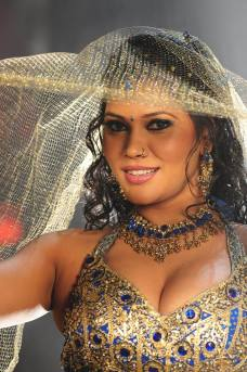 bhojpuri-item-girl-seema-singh-hot