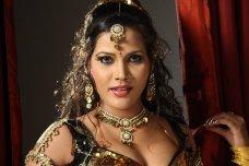 dancing queen seema singh-photo