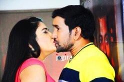 amrapali dubey nirahua kissing seen