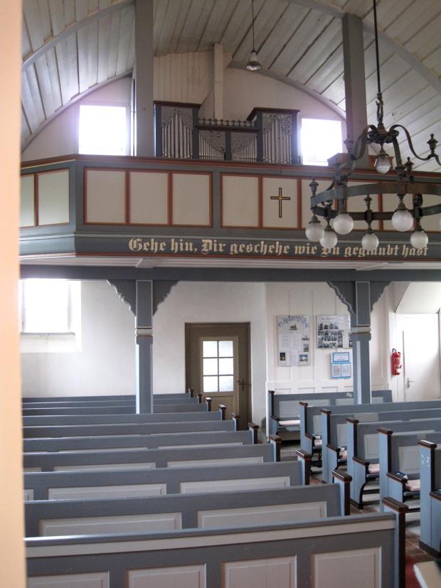 Blick zur Orgelempore, Kirche Waffenrod-Hinterrod.