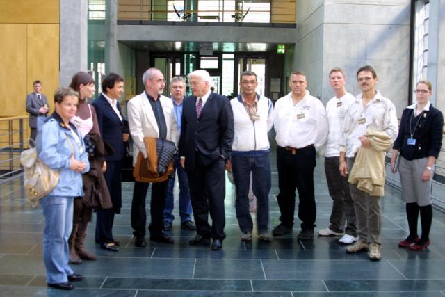 Gesprächsrunde mit Walter Steinmeier im Bundestagsgebäude.