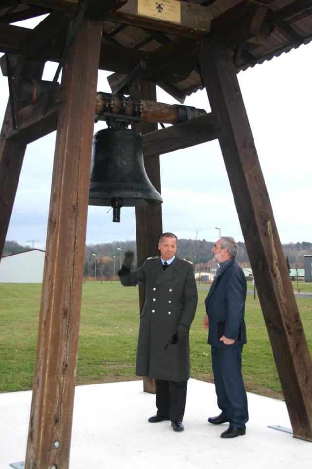 Glockenweihe in der Kaserne Gotha, Dezember 2006.