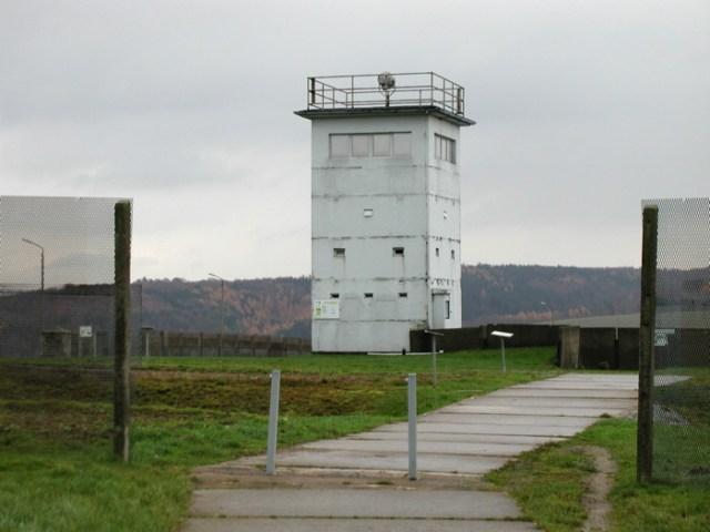 Der Grenzturm am Hotel in Teistungen.