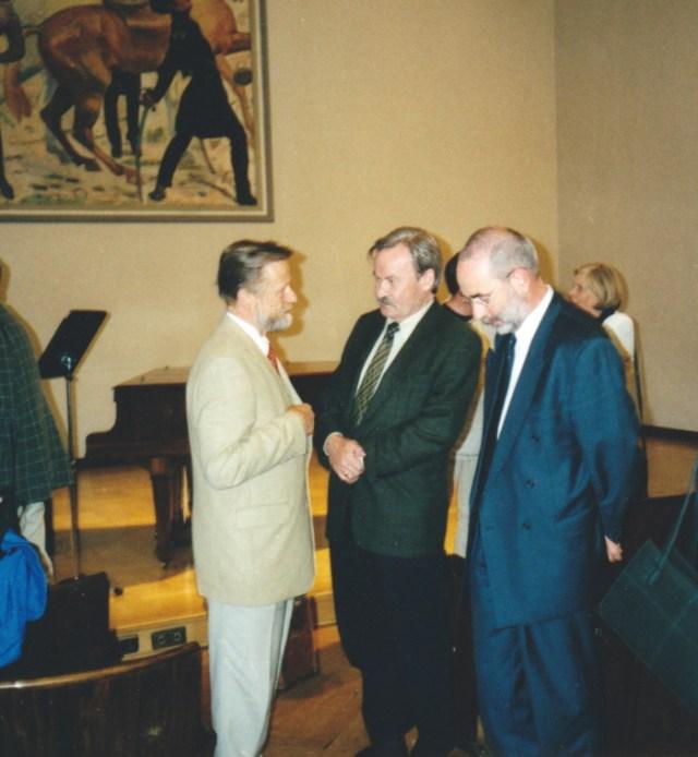 (v.l.) Prof. Dr. Dr. Klaus Petzold, Staatssekretär Herman Ströbel, Schulreferent J. Ziegner.