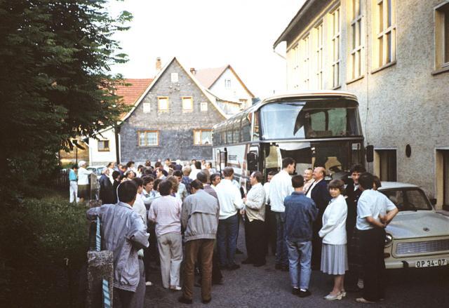 Partnergemeinde Wuppertal beim Abschied aus Crock 1988.