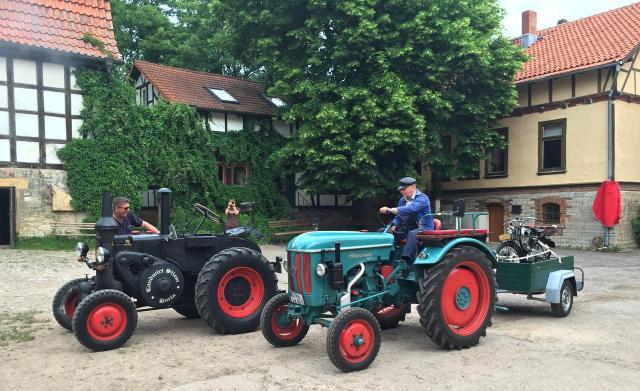 Die Traktorenfreunde kommen.